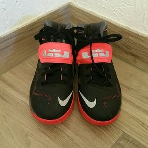 6e2c5cf77cdc Nike Zoom LeBron James Soldier VII -Colorways